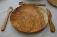 olive wood plates and glasses